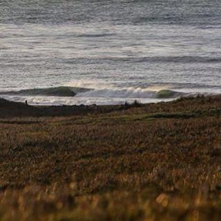 Algunas olas sólo pudimos mirarlas de lejos...#peninsulamitre #tierradelfuego #conservemos