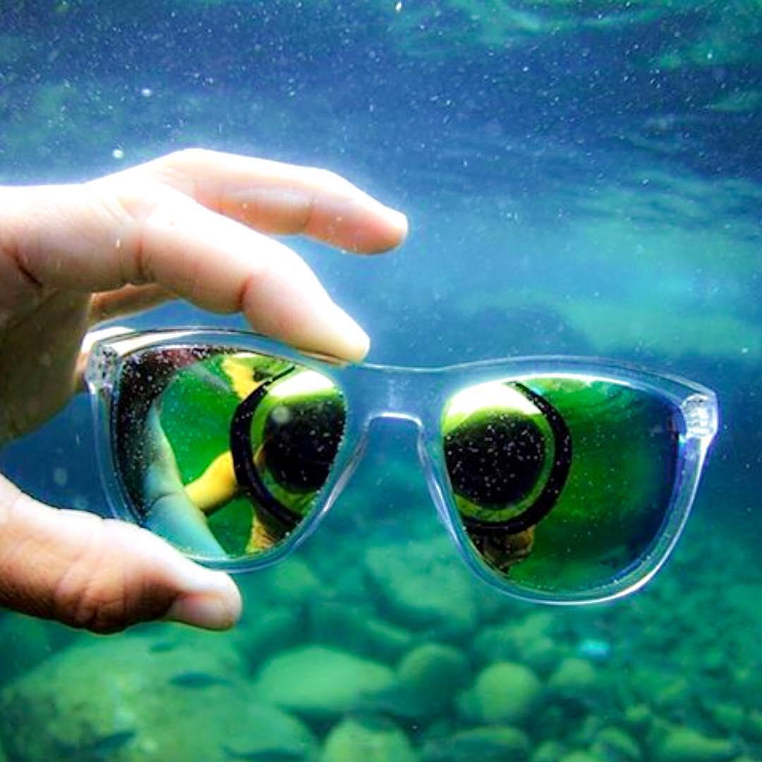 Under the sea  @kameleonz with the Coconut frames  #Kameleonz #Underwater #Adventure