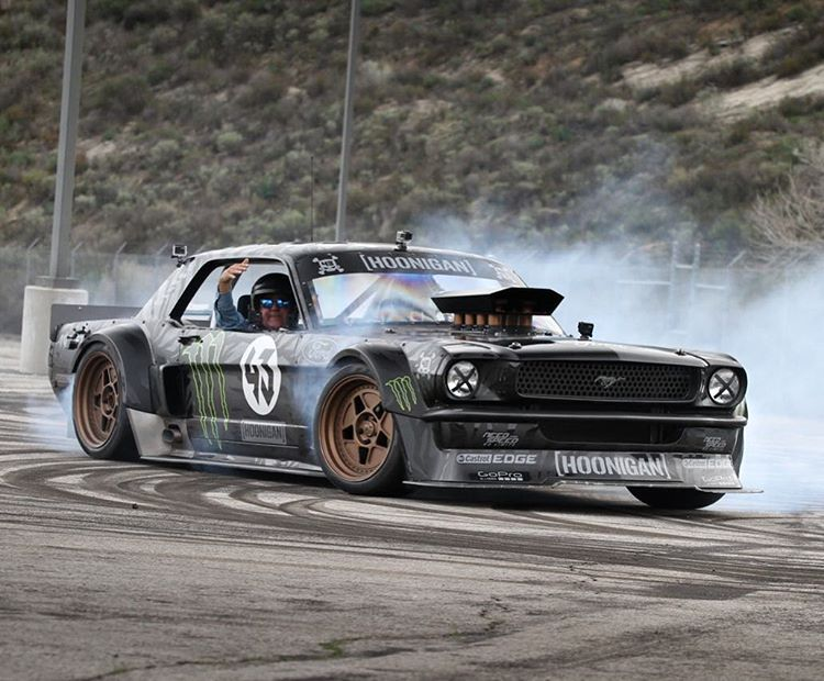 I love my job for many reasons. One of which is the wild variety of stuff I get to do, like give rides to legends like Jay Leno in my Ford Mustang Hoonicorn RTR! Ha. Hit the link in my profile to see the fun bit I did with Jay for his show...