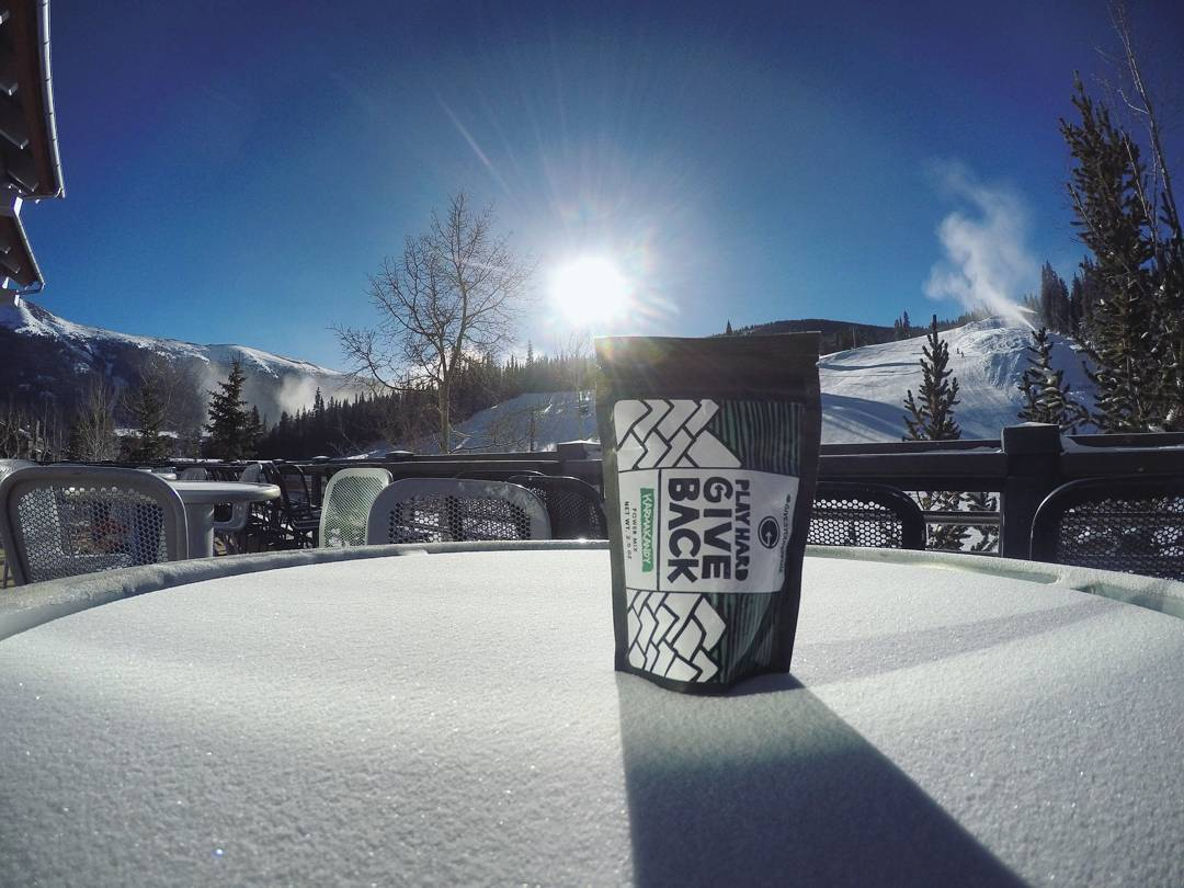 As ski resorts across country begin to open, make sure to stock up on your PlayHard GiveBack karmakandy mix to keep you energized throughout the day. #phgb #meetthemoment #getoutstayout #ski #coppermtn #explore #travel