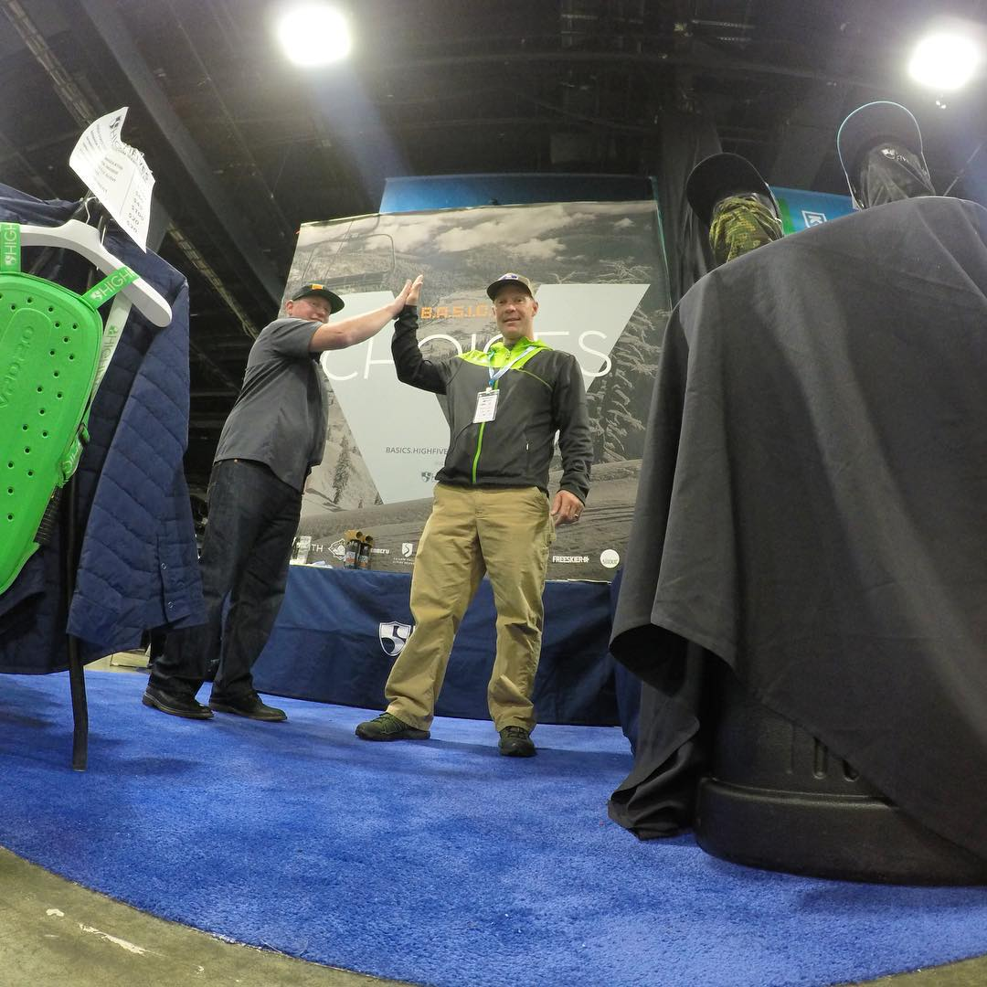 FREE High Fives! At the Boston Ski Show #tommyMOE handing out some to Jesse Murphy (Board Member)