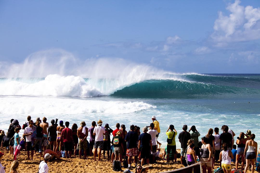 There's no other show like it on earth. #BillabongPipeMasters Dec 8-20 @wsl