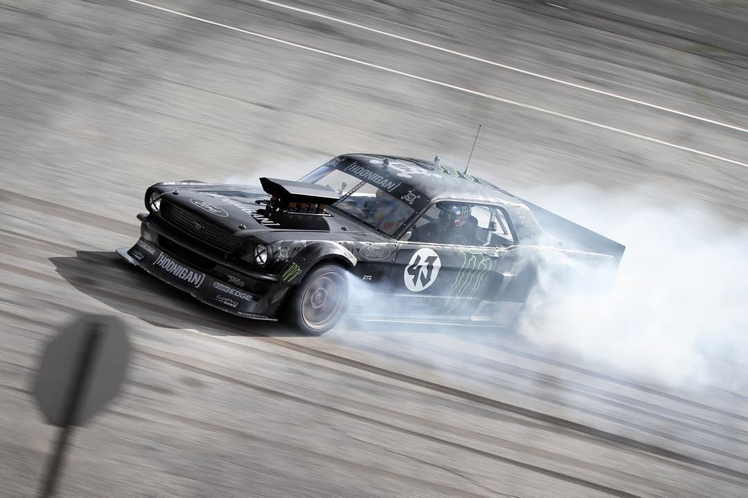 Some tires were harmed during the making of this photo. #Hoonicorn #killalltires