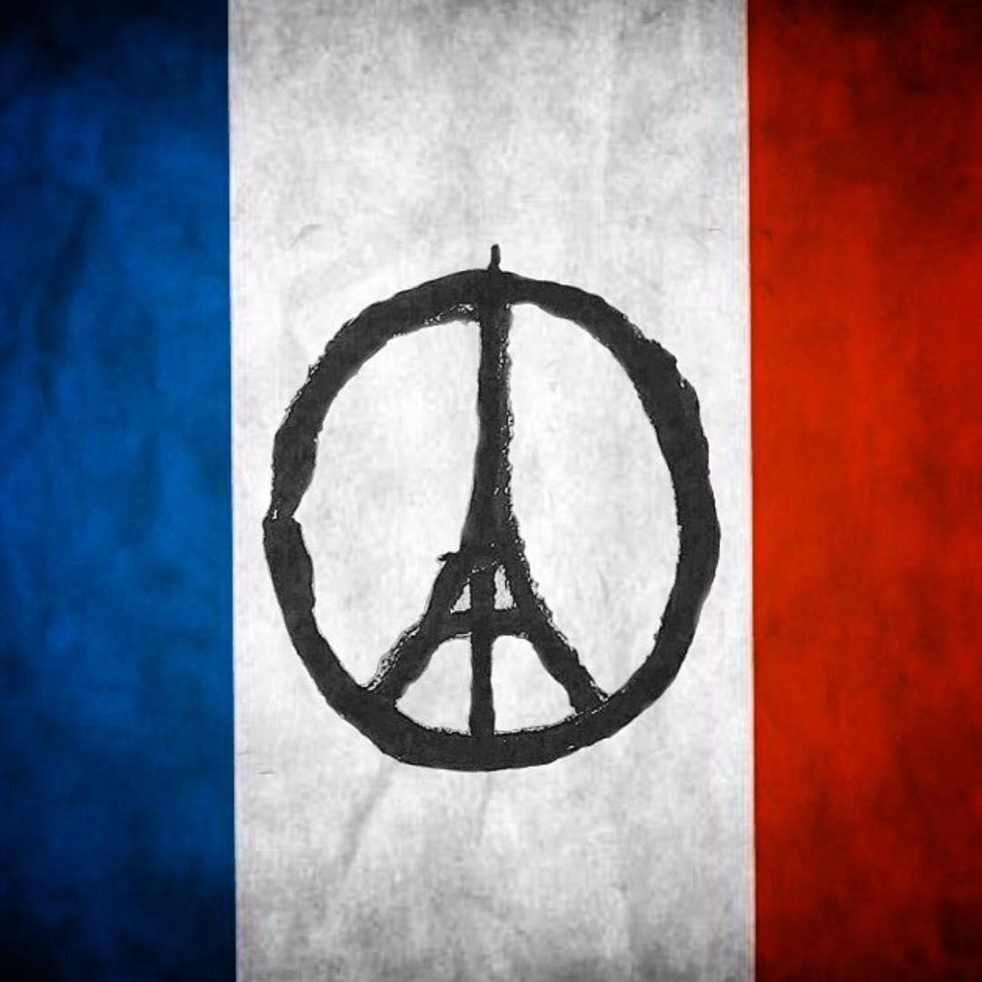 #peaceforparis et tout le monde