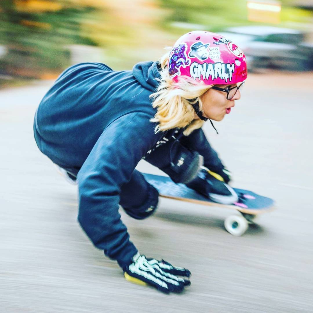 LGC USA rider @gnarly_x_carly proving her nickname right. Photo cred?  #longboardgirlscrew #womensupportingwomen #skatelikeagirl #carlybizama  #lgcusa