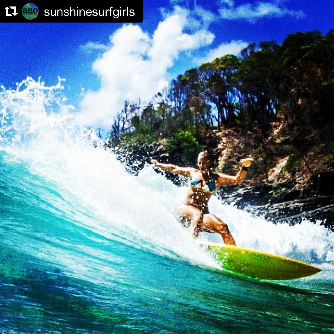 #Repost @sunshinesurfgirls ・・・ Dreaming of better days... @hlr777 at TeaTree when there was waves.