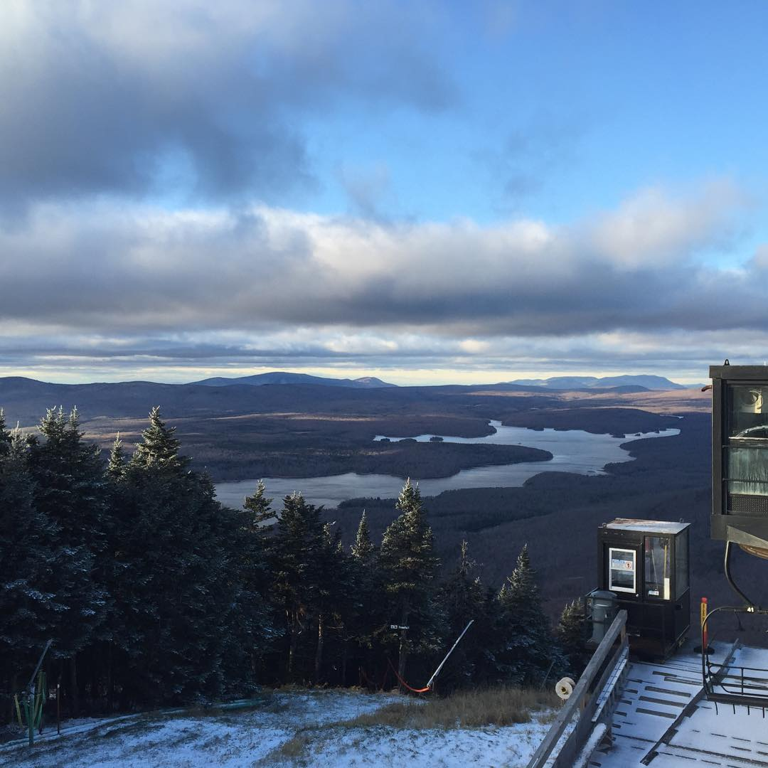 Yesssss finally some #snow #justadusting #snowboarding #skiing #JustSendIt #WhoaBrah @mountsnow @ericjunge #nofilter