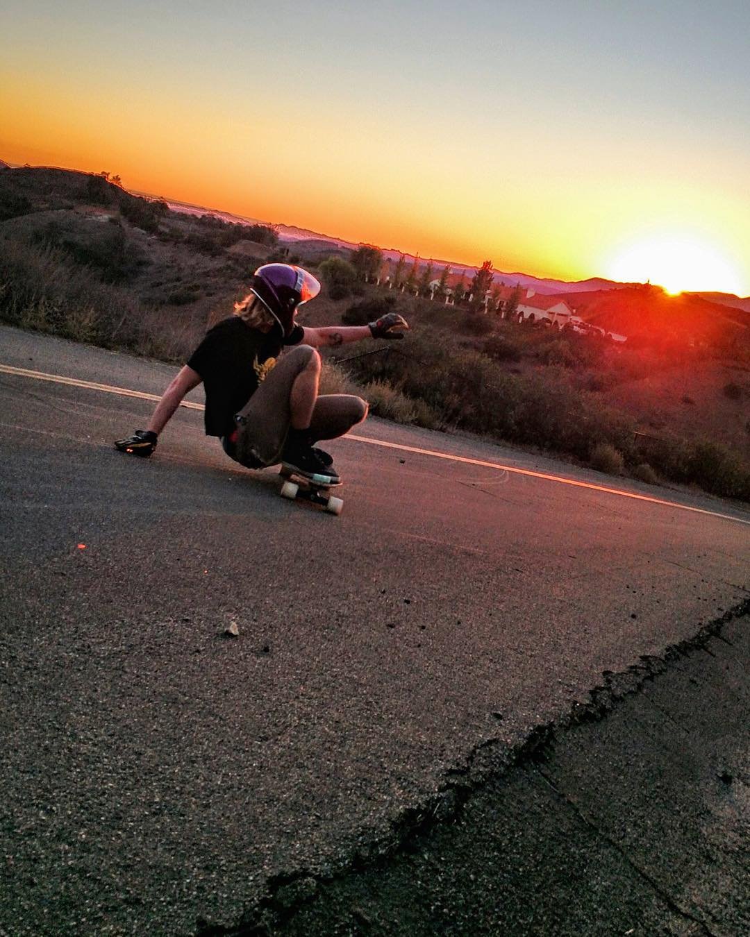 Slippin' into the sunset, team rider Lonnie Leonelli (@lonniesk8) puts the day to rest. The weekend is upon us, don't miss it, #goskate!