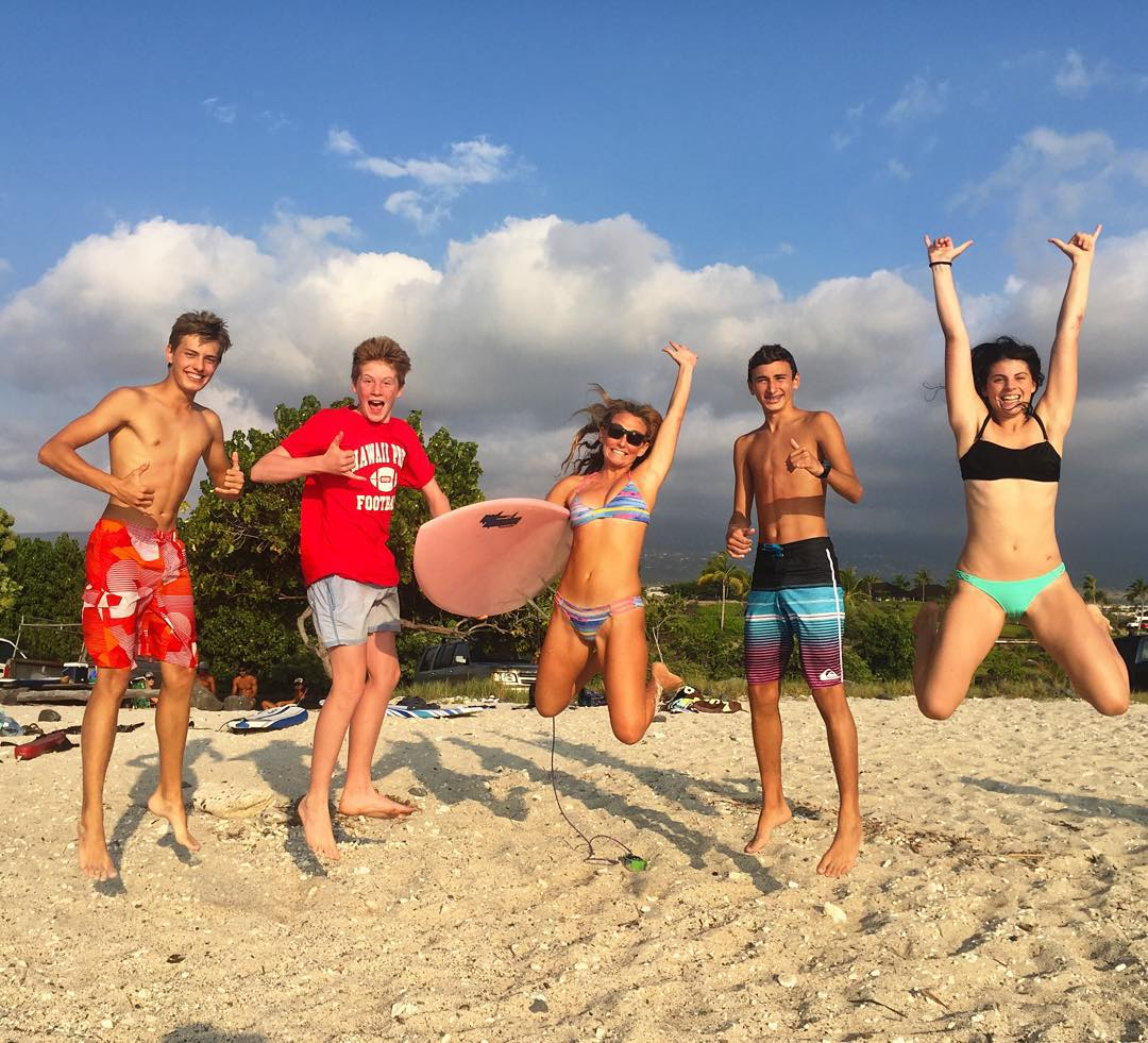 Very honored that Hawaii Preparatory Academy screened 4 of my films as part of orientation for their new students! It was joy teaming up with tons of them in surf-world today and although most of them were still in the water for this pic, they are an...