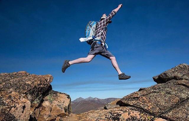 Here's one from @bjornbauerphoto on the Sawtooth Ridge of Mt. Bierstadt. #14er #sprainedankle