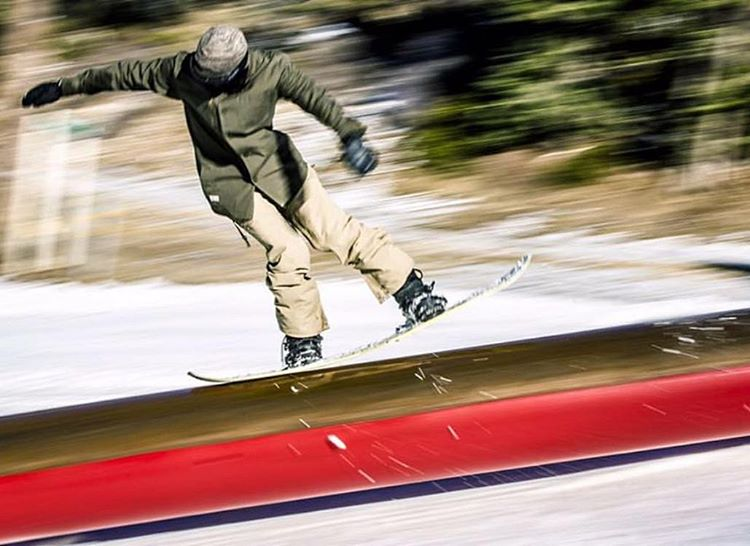 @leonard_mazzotti has been making the rounds this early season!! High speed nose press @bear_mountain