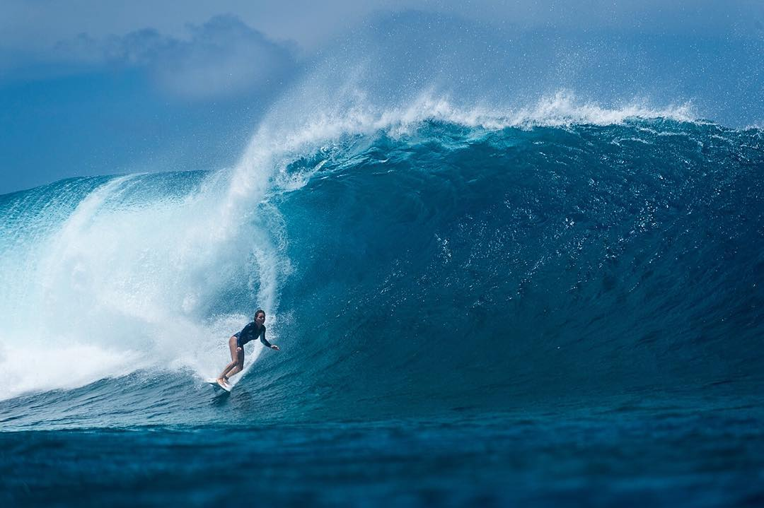 @brunasschmitz has found some Fijian gems while enjoying her time in the South Pacific. Tag the friend you'd love to share a few waves like this with