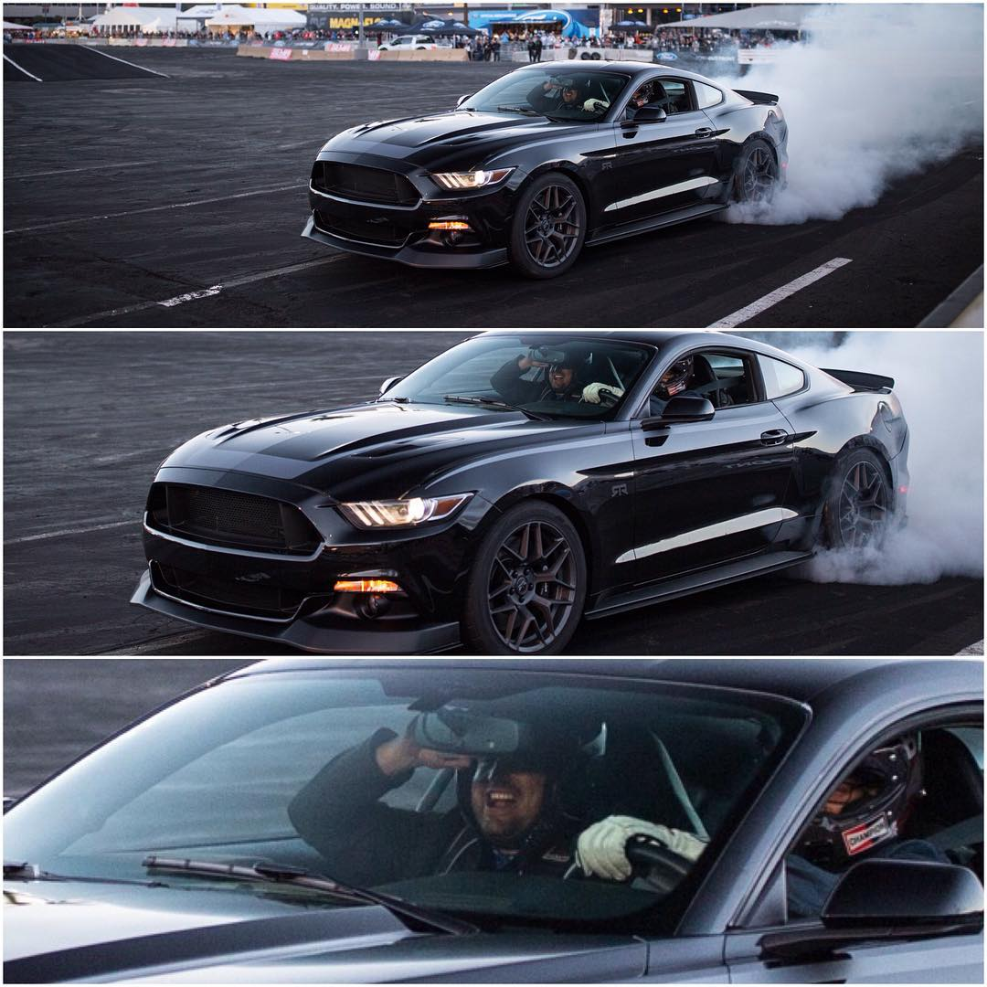 Have you ever seen someone frown while doing a burnout? @ryantuerck killing tires and supplying smiles at SEMA. #burnoutequalssmiles
