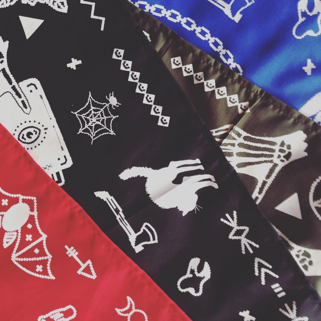 Se vienen las Bandanas MAGIC ⭐️ #Bandanas #serigrafia #handmade #pixel #pixelart #fashion #trend #style #look #cool #red #black #green #blue #magic #design #print #esoteric