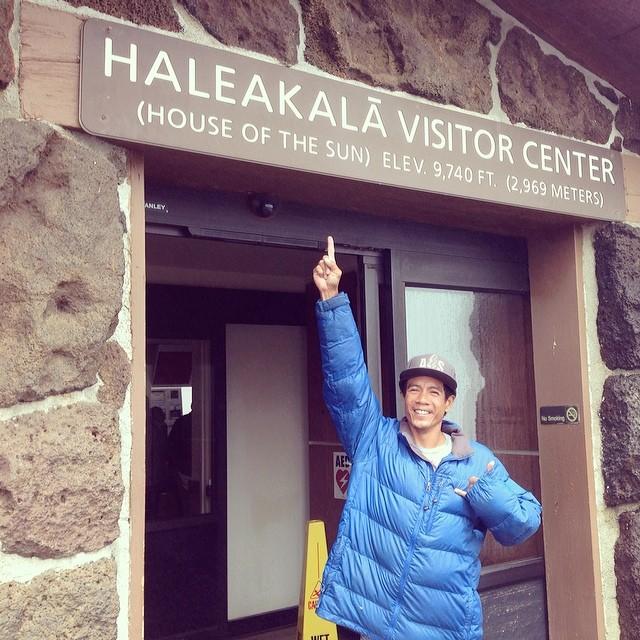 I made it to #haleakala #volcano natl #park. It's freezing at 10,023 ft elevation #maui #hawaii #alohasailor