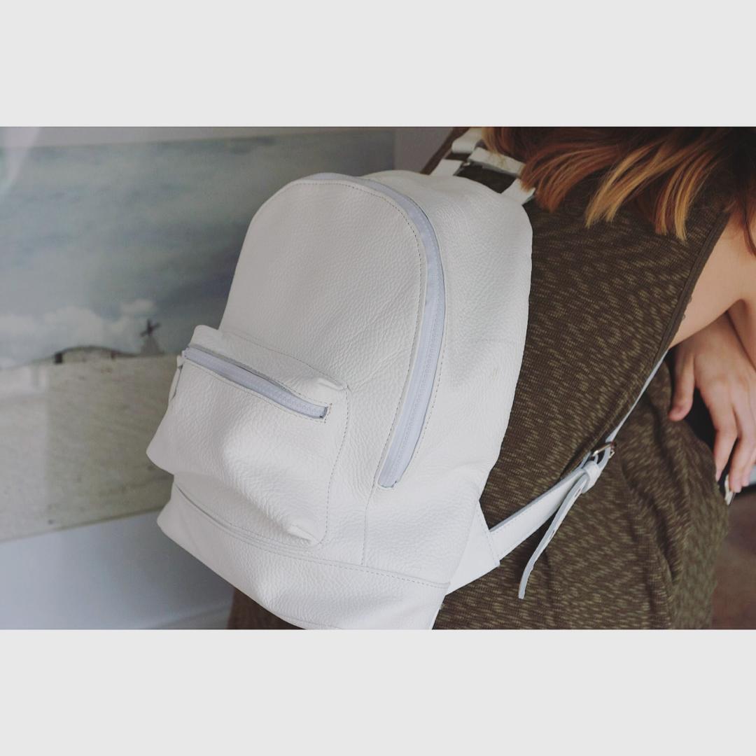 Mini Navajas Full White ❄️ Encontrala en nuestro shop online: www.mambomambo.com.ar
