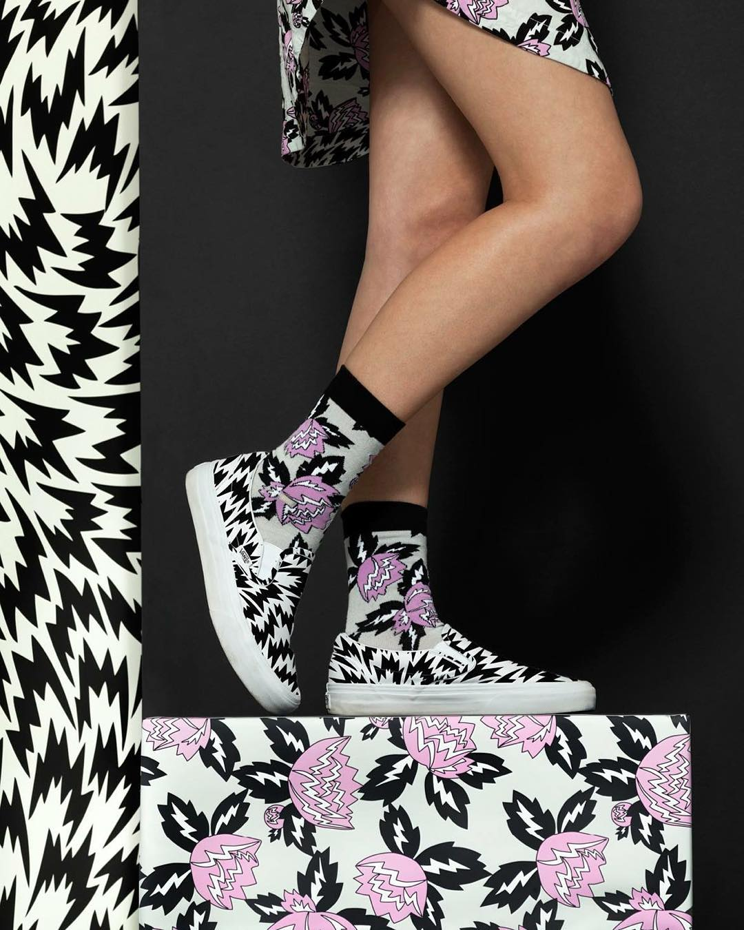 Eley Kishimoto es una casa de fashion y diseño fundada en 1992 por Mark Eley y Wakako Kishimoto (marido y mujer) ⚡️ Este año unieron fuerzas con @vans y lanzaron una colección de zapatillas con estampas únicas y de edición limitada. Se consiguen en...