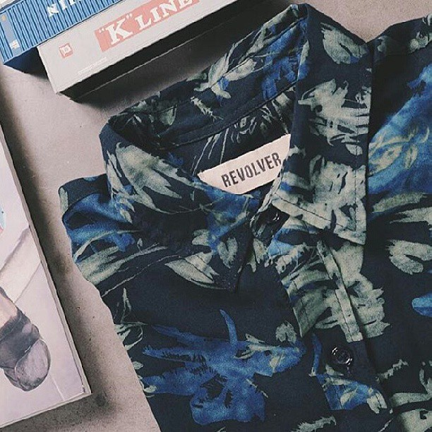#roparevolver #camisa Gypsy mucha variedad de #camisashawaianas #camisasfloreadas #camisasestampadas