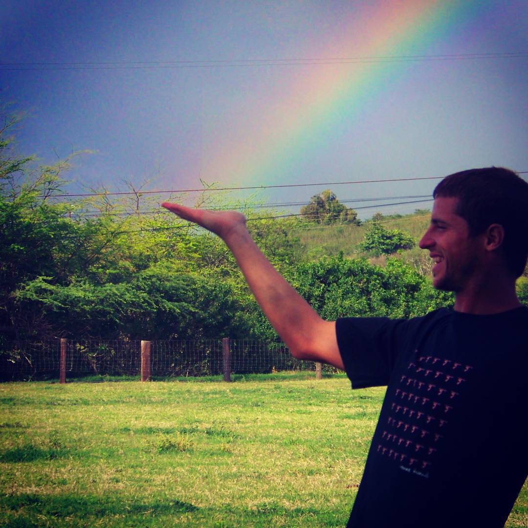 You cant have a Rainbow without a little rain. #maetuanis #followthesun #rainbow #surf #surfing #oahu #hawaii