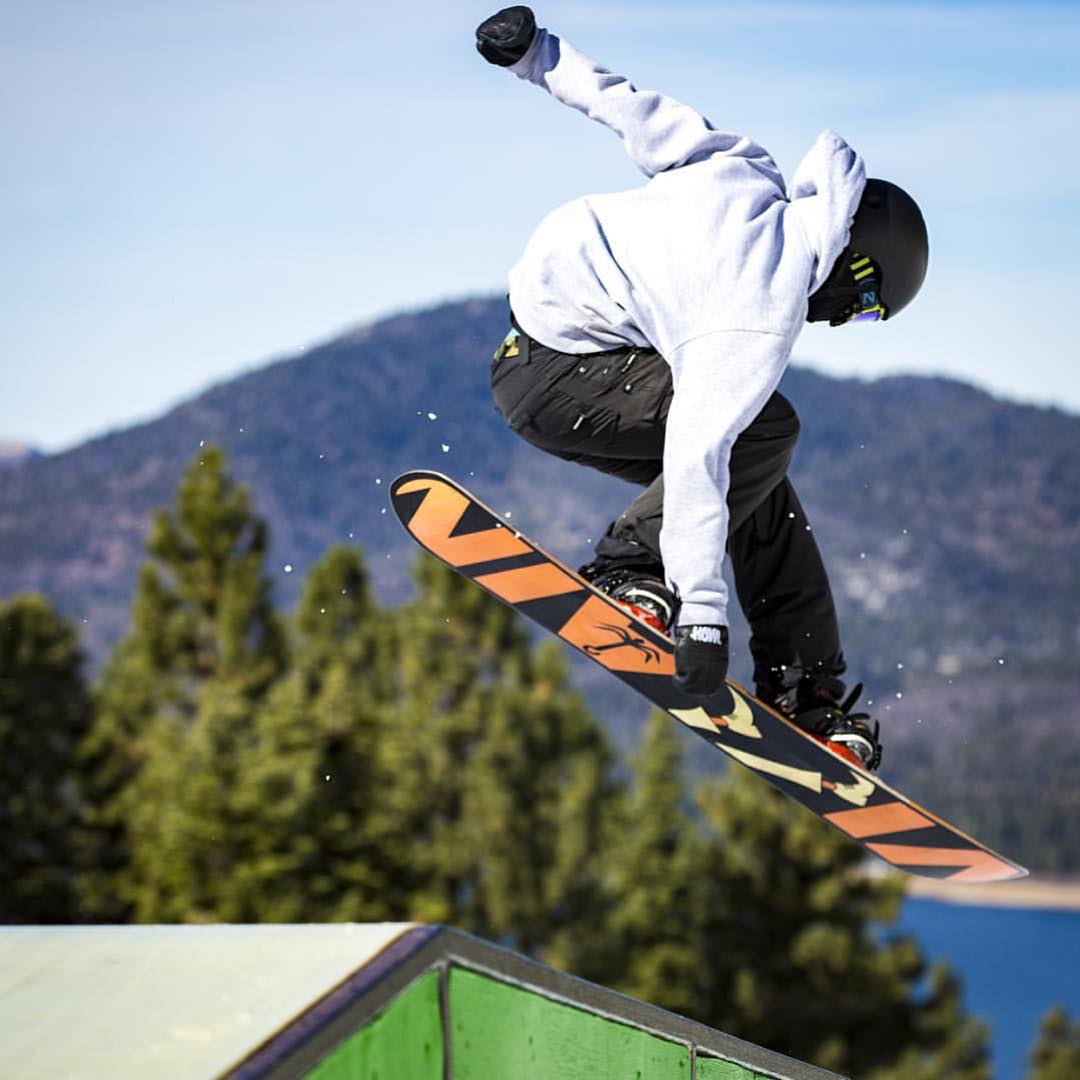 @draydengardner pokes one out at the best park in the world, @bear_mountain.
