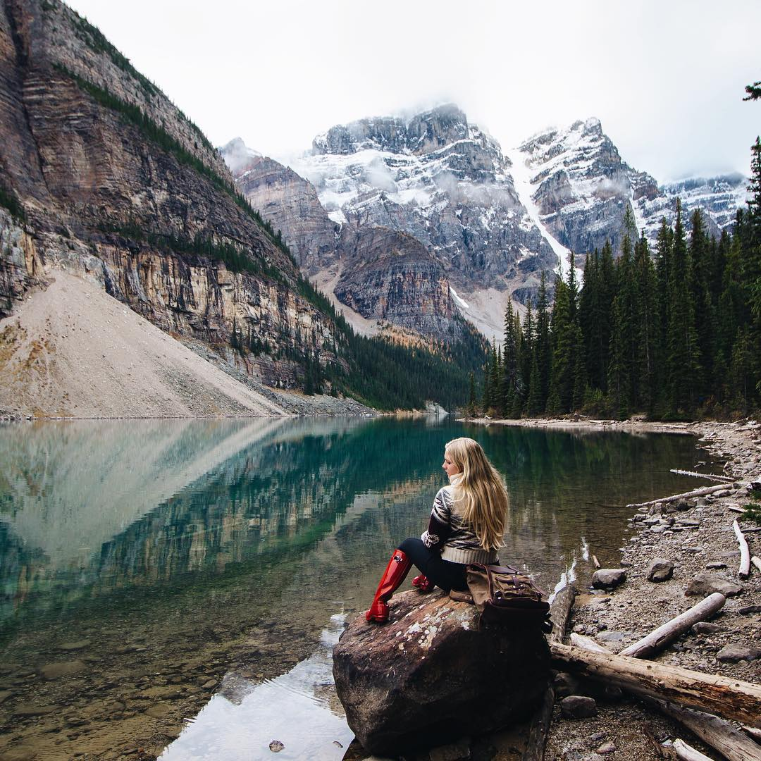 'Moraine Lake is one of the best in the Canadian Rockies, after snapping a few pictures I just sat here taking in the calm beauty, it was an evening I often return to in my memories.' - @goldiehawn_ #solosaroundtheworld