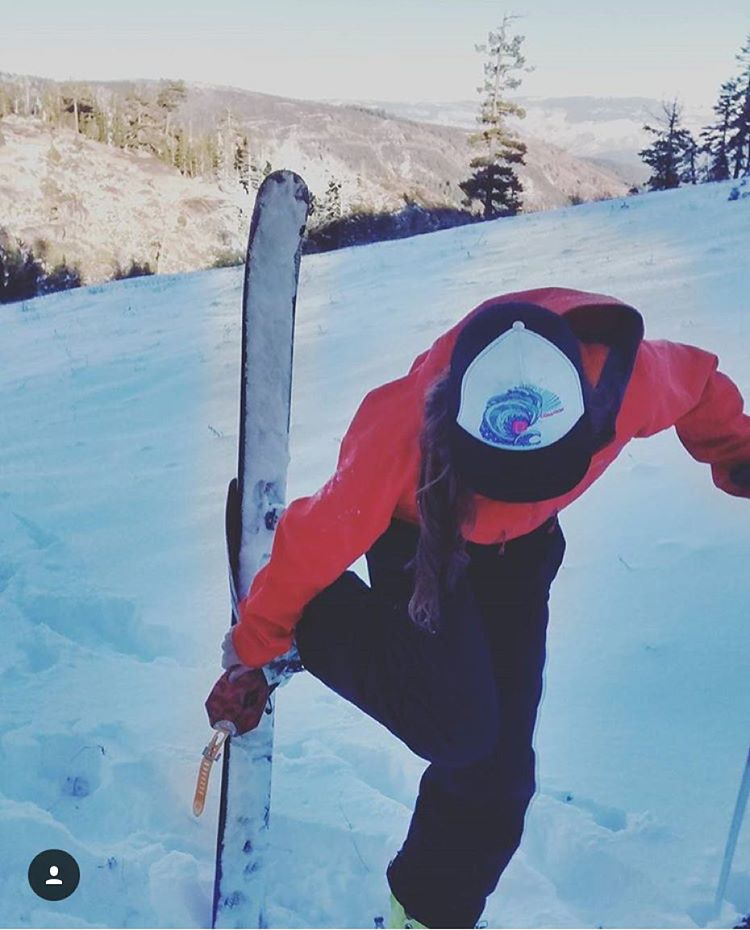 @violet_callahan modeling great form and a super cool hat. #sisterhoodofshred #topnotch #skiing #truckerhatsfordays
