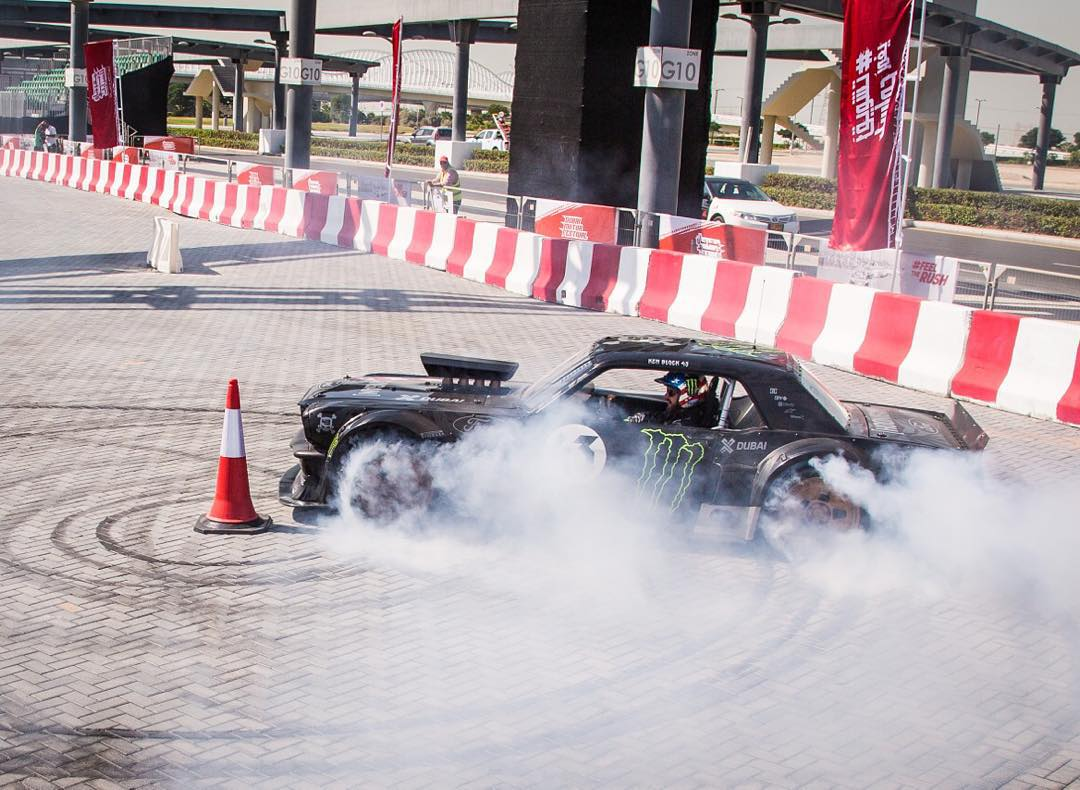 Heading out to the Meydan Hotel this morning to do a lot more of this at the @DubaiMotorfest today. Come by at 1pm to see this thing make rubber clouds! #smokemachine #Hoonicorn #XDubai #proximitythough