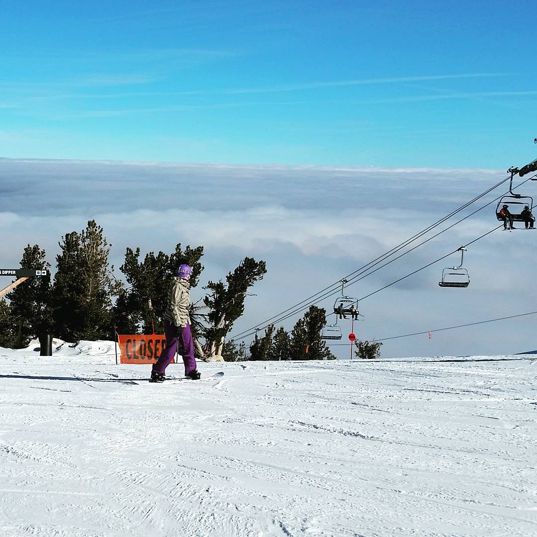 Riding above the clouds today.  #tahoesouth #skiheavenly #getoutside #wintersports #inversion #graniterocx