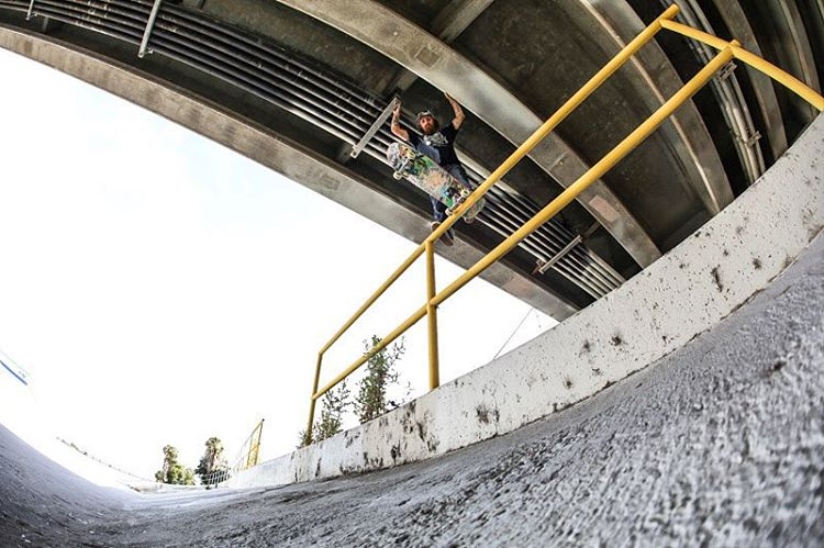 @gnarlivin Bout to drop into the weekend!