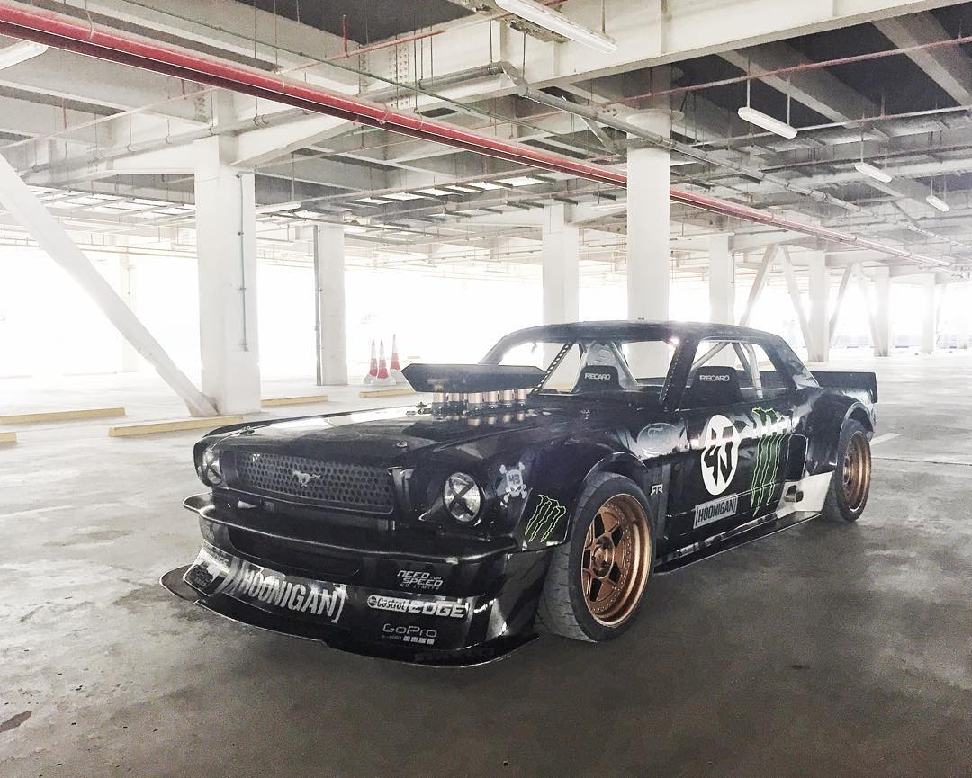 Last #Hoonicorn shot of the year? Maybe. Maybe not. Ha. Shot this a few days ago after testing at the Meydan Racecourse for the @DubaiMotorfest. #parkinglotstudio #FordMustang #Dubai