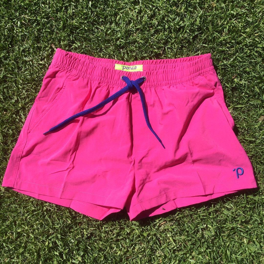 """#unpanzaxdia hasta el 31/12  #Hoy : Panza #BORDER """"Sampras"""" (fuxia)  encontralo en el BOLICHE ONLINE en www.panzapeople.com  o en nuestros locales amigos  GARPA TENER PANZA  #verano #summer #beach #beachlife #swimtrunks #beachwear #playa #men #fashion..."""