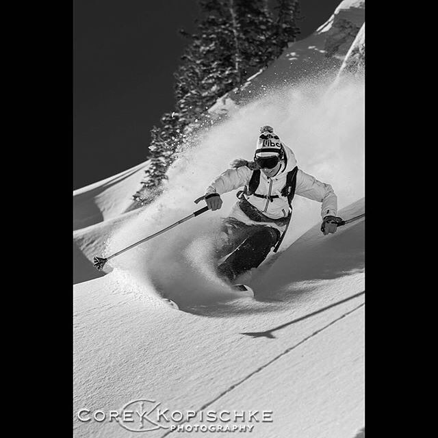 Class 3D #PANDALANCHE from Panda athlete Jacqueline Knutson, captured by Corey Kopischke Photography some time ago... #TribeUP!  Repost: @jacquelineknutson  Photo: @coreykopischkephotography  #PandaPoles #PandaTribe