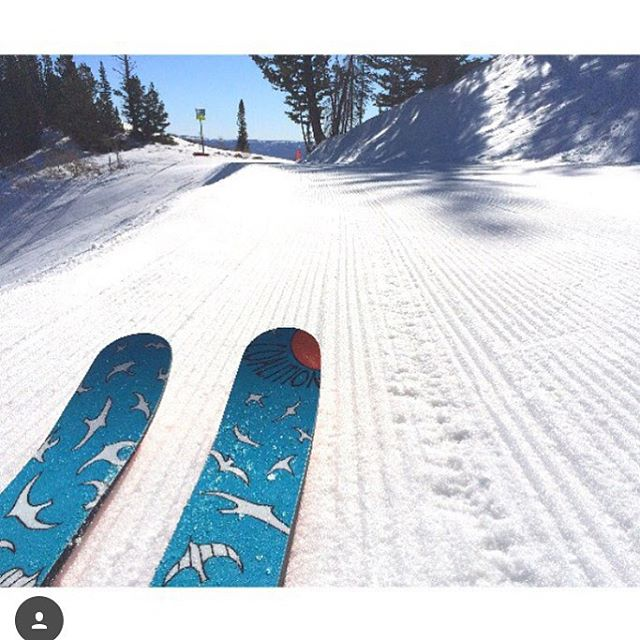 The storms are on the way, are you ready? PC: @melissa_benji #skiing #getthegear
