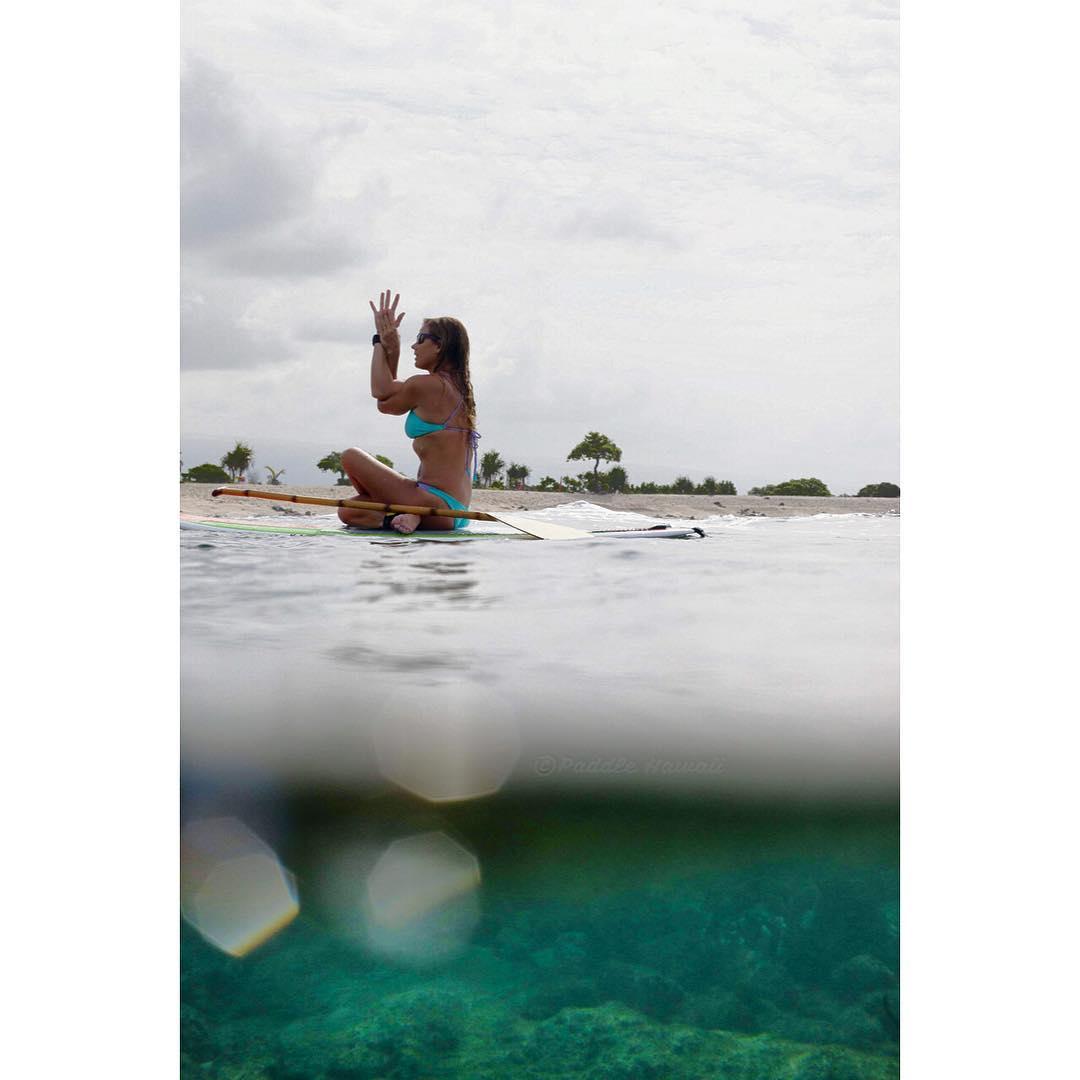 D O W N  T O  G I V E  M O R E  T H A N K S  #sostoked #flowyo #sup #teambioastin #kaenon #standupjournal #odinasurf #rareform #yogalete #konaboys #imaginesurf #dalekobetich #navitasnaturals #paddlehawaii #bamboopaddle #supcouple #supconnect