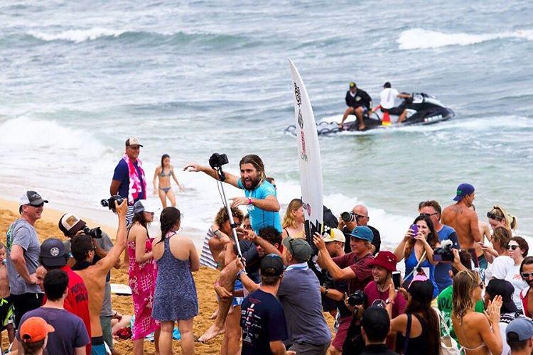 Pasó el Hawaiian Pro y @wadecarmichael se consagró campeón. Mañana arranca la Vans World Cup of Surfing
