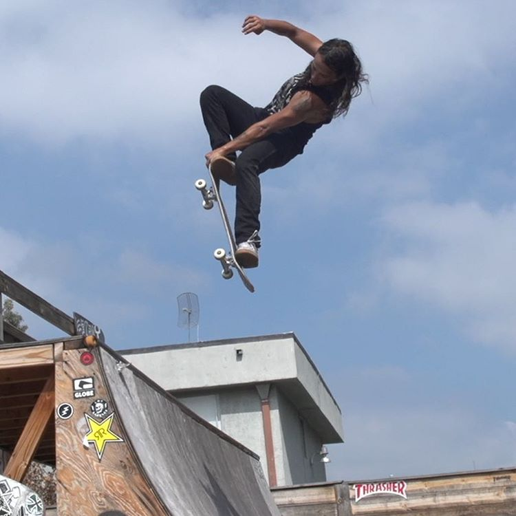 @DavidGonzalez taught us crail to fakie in Ep. 13 of #XGamesTrickTips!  Click the link on our profile page to check it out.