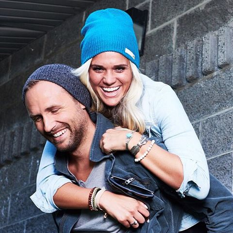 Tag your beanie bae! @danielrmadsen sports the Heather Charcoal beanie while giving a piggyback ride to @chellebell11 who's rocking the Stone Blue beanie #Kameleonz #BeanieSeason #Bae #BlackFridayIsComing #DontMissOut #HintHint …up to 60% off