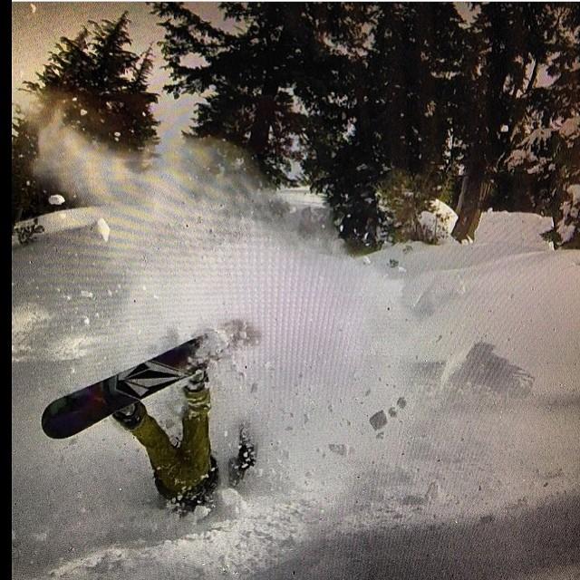 Repost Jero Roman @keepjero desde Mammoth Mountain! #volcomsnow #W14 #goJero