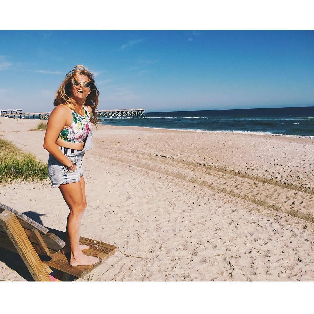 #akelasurf Ambassador @cameronleepaul #activewear #activegirl #surfswimwear #surf