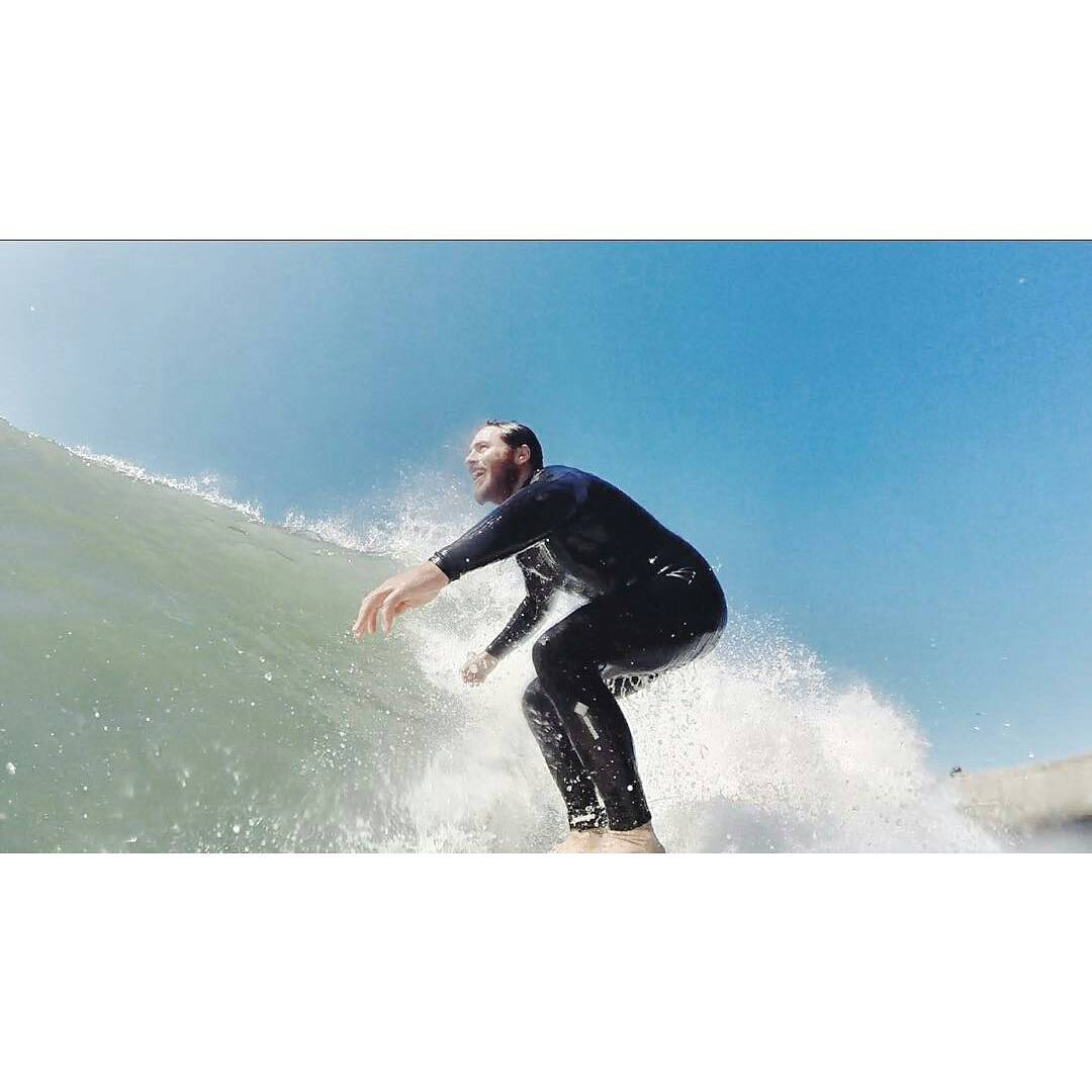 @joacoteran -  Una mañana a puro surf!