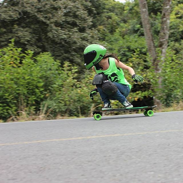 Go to longboardgirlscrew.com to check LGC Costa Rica​'s ambassador @sylvia_mena24 going fast at her local hill. She's rad.  Photo cred?  #longboardgirlscrew #womensupportingwomen #skatelikeagirl #LGC #sylviamena #costarica #lgccostarica