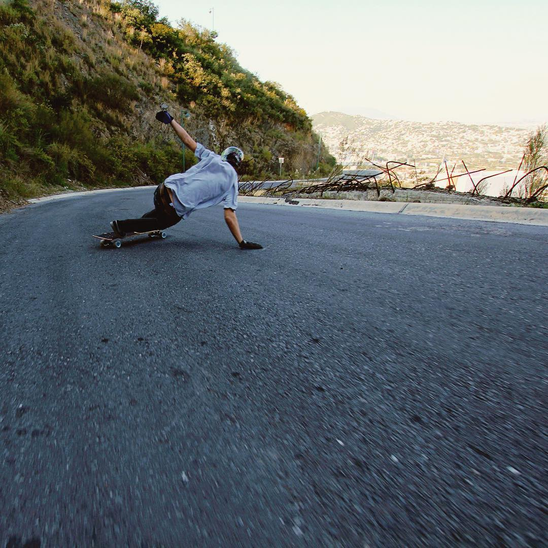 Levi Green (@levipurple) not only takes banger selfies but also gets banger shots. Mid run toeside in Monterrey, Mexico.