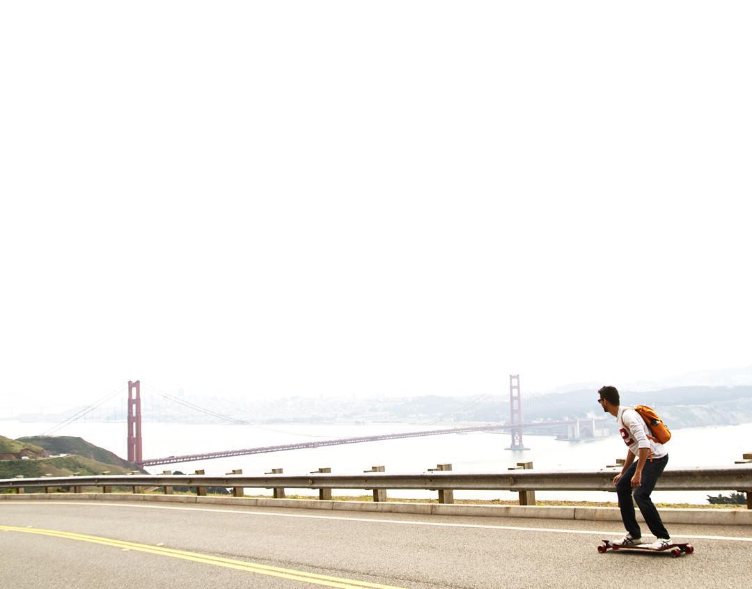 Swoopin' downhill in our favorite city. PC: @rafaelgodoi