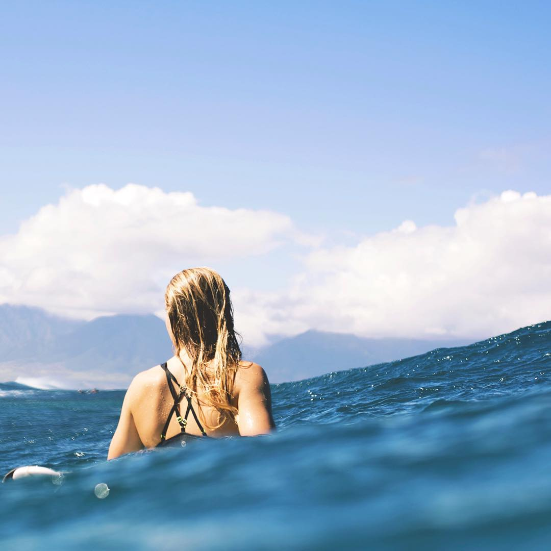 Our favorite kind of blues! @biancabuitendag making the most of a lay day in Maui.