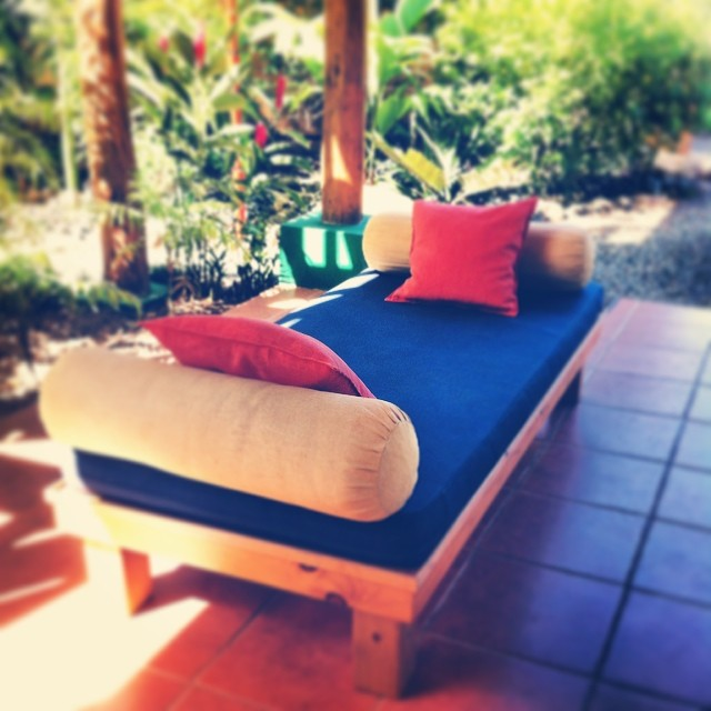 It's currently sunny with a nice breeze, 27•C/83•F in Bahia Ballena, Costa Rica. Where would you like to be lounging this morning?
