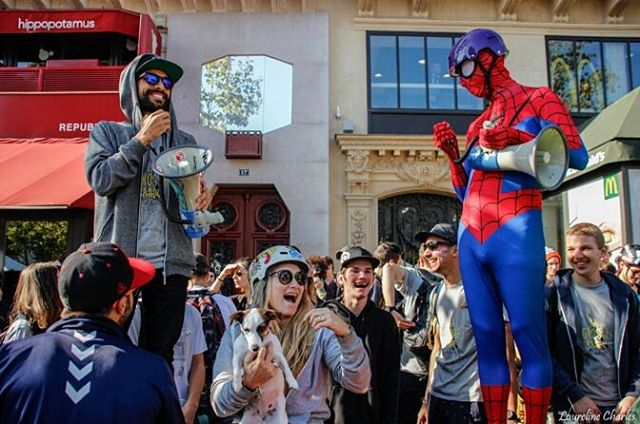 What do you get when you combine @DockSessions, @lotfiwoodwalker, 1000 Skaters and #Spiderman??? LA GROSSE RANDO!  Check out the elegant words of Lotfi as he recaps his experience of leading the charge of so many skaters in the streets of Paris!  Link...