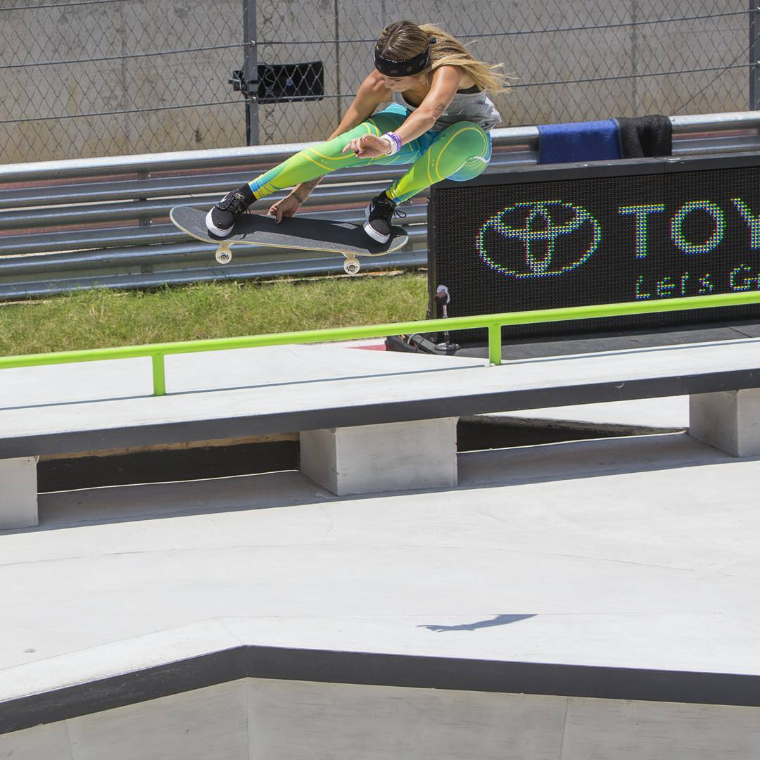 """I am thankful to be able to skate everyday, and to have amazing friends, family and fans.""-@LeticiaBufoni ("