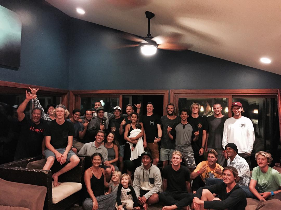 A FULL house here in Hawaii thanks to @tammymoniz and crew. Happy Thanksgiving