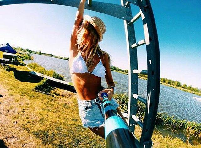 Se viene el Verano con todo! Concurso de fotos! Subi una foto que represente el verano con el hashtag#VeranoZephyr! Puede ser con cualquier camara y NO hace falta un baston! El 30/11 nosotros vamos a elegir las 10 MEJORES foto y se van a subir a...