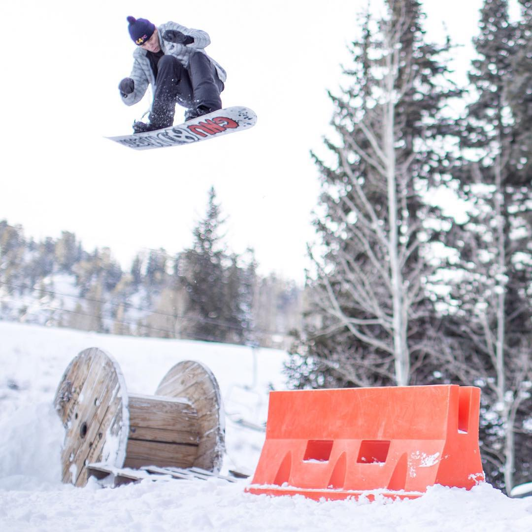 Ground control to @blakepaul! It's currently snowing up at @brightonresort so come join the #WeAreFrameless boys for an epic Saturday of boarding. See you at the #BoneZoneBrighton!